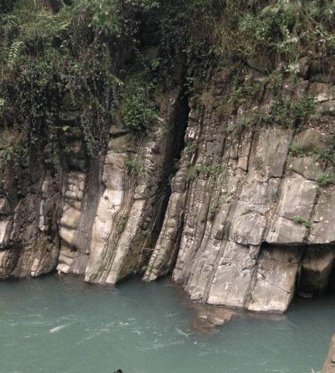 四川大学水利水电学院峨眉山工程地质报告
